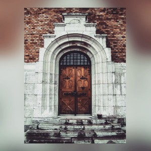 instagram trael blog door architectural details derbia