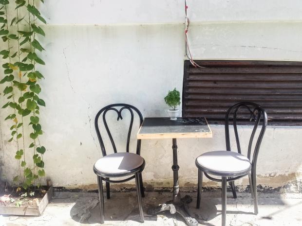 coffee-in-le-petit-salon-in-sozopol
