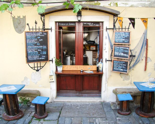 fritolin-pri-cantini-restaurant-review-summer-adventures-piran-slovenia-seaside-bigberry-travelblog