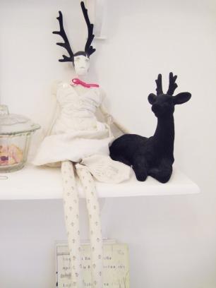 le-petit-salon-artisan-dolls