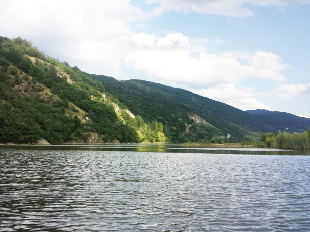 travelling-to-sofia-bulgaria-pancharevo-lake