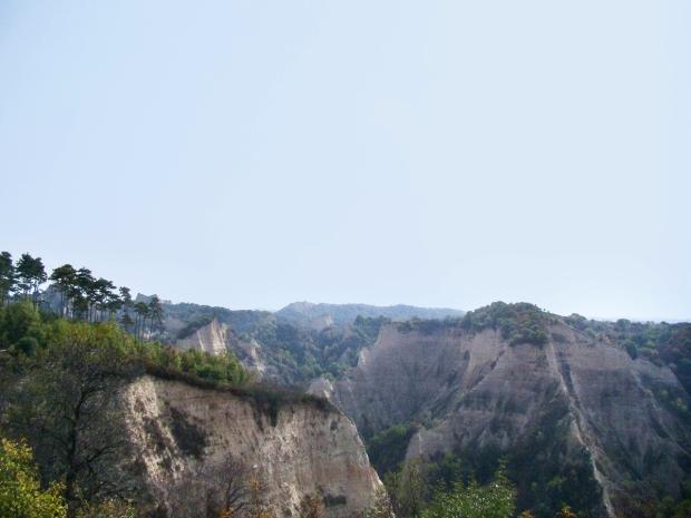 melnik-smallest-town-adventures-mountains-bulgaria-travelblog-eostories-9