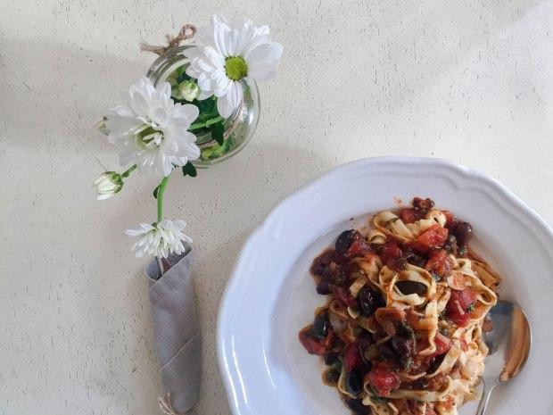 thelittlethings-hip-cozy-restaurant-sofia-bulgaria-travelblog-eostories-foodies-7