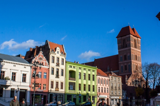torun-poland-old-market-square-town-hall